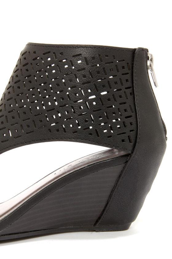 Madden Girl Harrp Black Cutout Peep Toe Wedge Booties at Lulus.com!