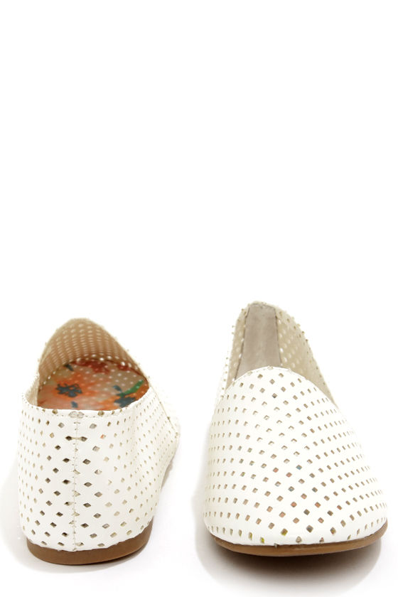 Madden Girl Swooop White Cutout Flats at Lulus.com!
