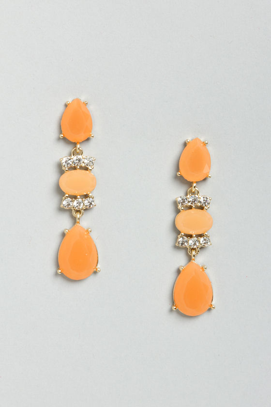 Let's Say I Dewdrop Coral Rhinestone Earrings at Lulus.com!