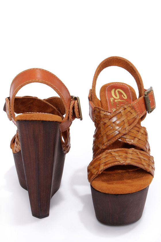 Sbicca Edinger Brown Platform Wedge Sandals at Lulus.com!
