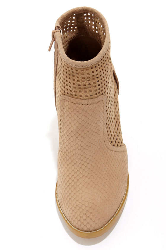 Kelsi Dagger Joy Sand Leather Cutout Ankle Boots at Lulus.com!