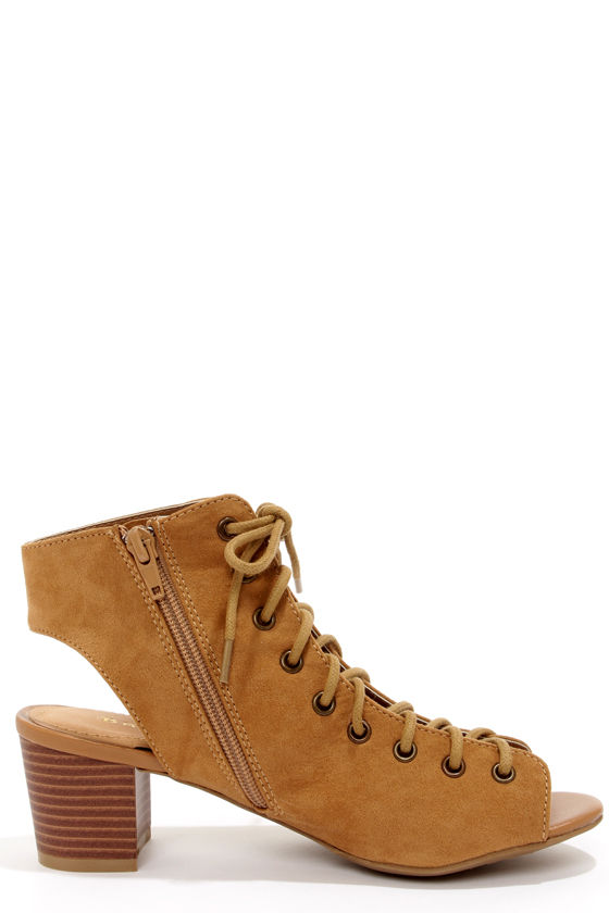 Bamboo Leroy 06 Sand Cutout Lace-Up Ankle Boots at Lulus.com!