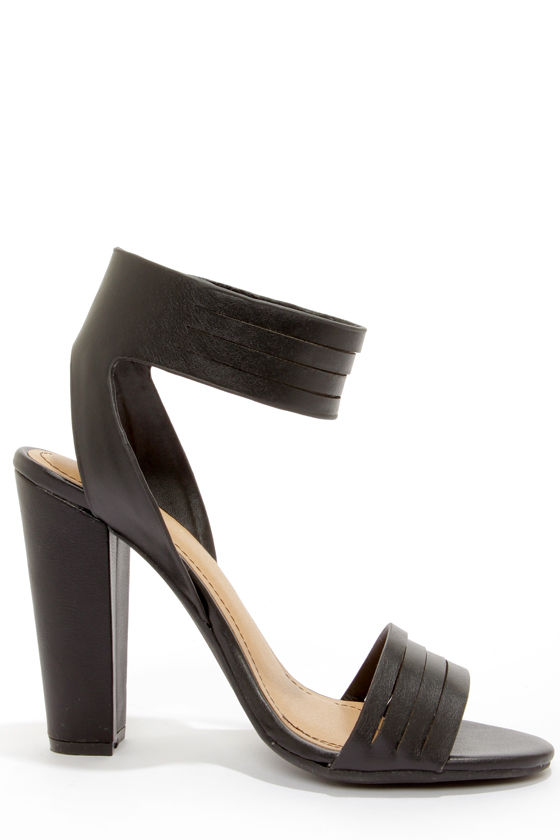 Bamboo Senza 06 Black Ankle Strap Heels at Lulus.com!