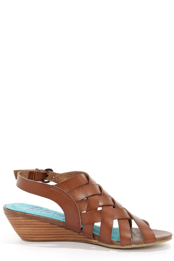 Blowfish Colette Whiskey Brown Peep Toe Sandals at Lulus.com!