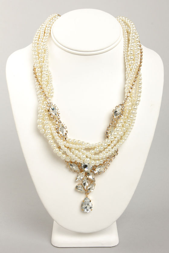 Flight of Fanciful Pearl Rhinestone Necklace at Lulus.com!