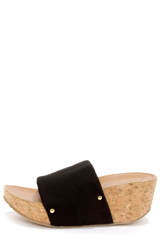 Bamboo Lalasa 05 Black Platform Sandals at Lulus.com!