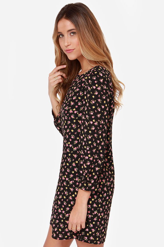 Strike a Posy Black Floral Print Shift Dress at Lulus.com!