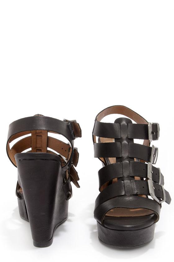 Madden Girl Kloverrr Black Buckled Wedge Sandals at Lulus.com!