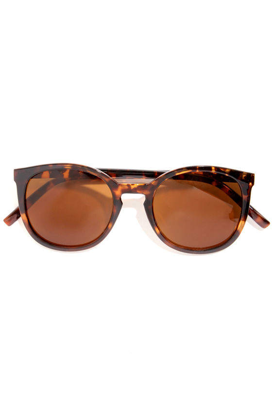 Quay Dixi Tortoise Sunglasses at Lulus.com!