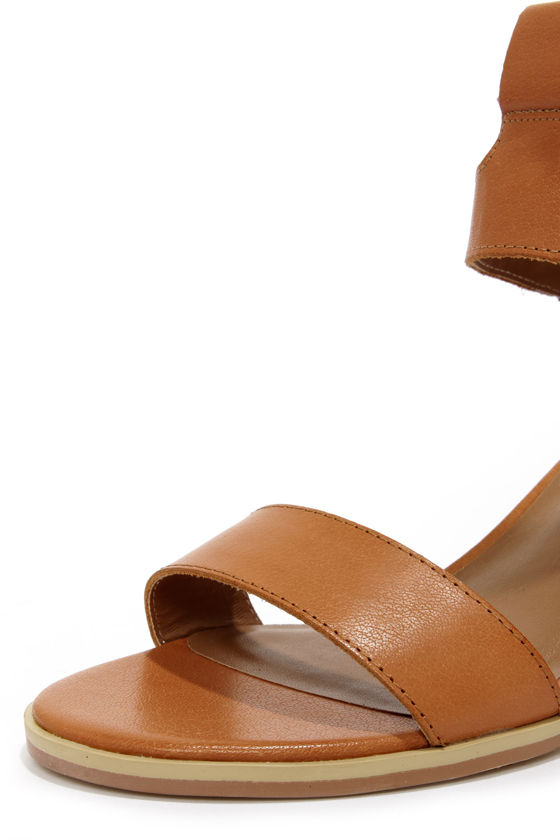 Kelsi Dagger Katamandu Cognac Leather Sandals at Lulus.com!