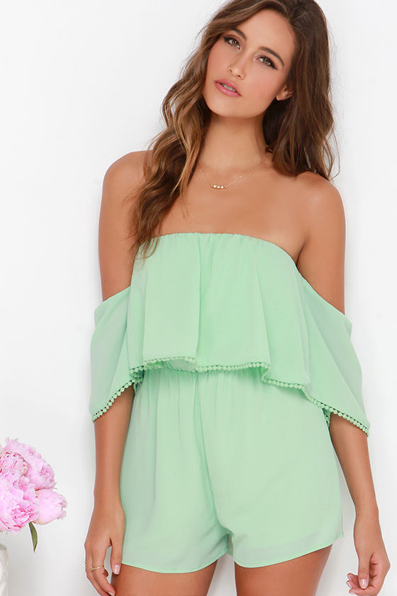 It isn't hard to live in the moment when you get to wear the Everlasting Now Mint Green Romper! A sleeveless bodice is topped by a high, rounded neckline from which princess seams descend to meet the fitted waist, all in a lightly textured woven fabric.5/5(1).