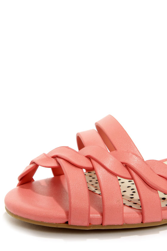 Bamboo Juniper 91 Melon Pink Sandals at Lulus.com!