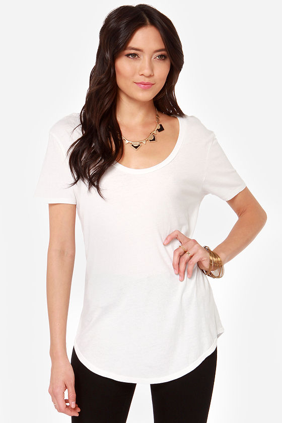 RVCA Label Pippi Ivory Tee at Lulus.com!