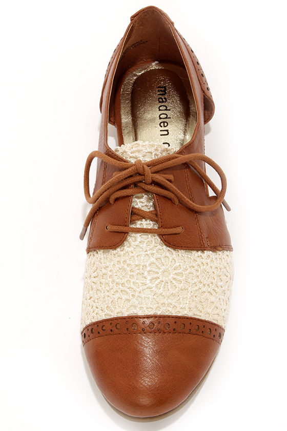 Madden Girl Teaton Cognac Crochet Cutout Oxford Flats at Lulus.com!