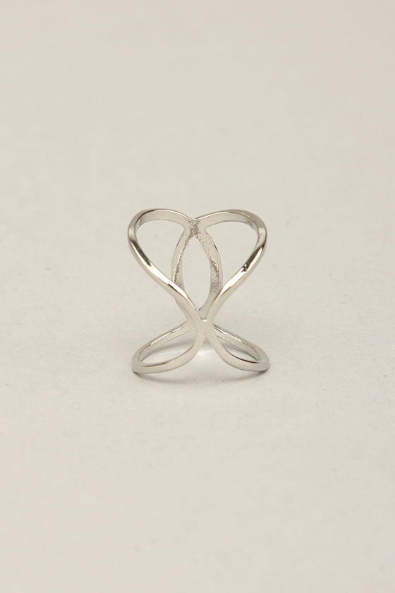 Bandleader Silver Knuckle Ring at Lulus.com!
