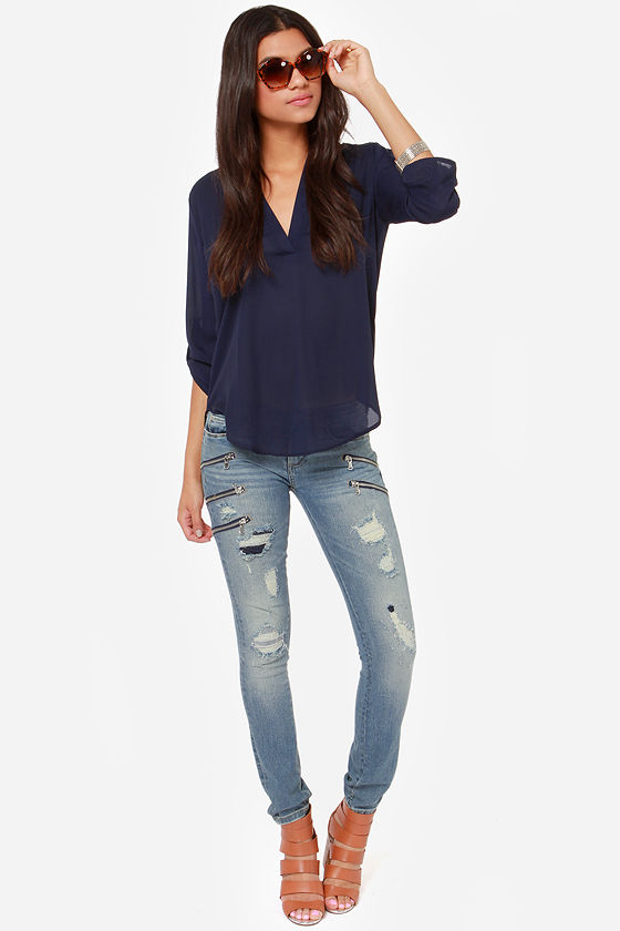 Blank NYC Skinny Classique Distressed Zipper Jeans at Lulus.com!