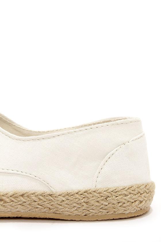Rocket Dog Calder White Espadrille Lace-Up Flats at Lulus.com!