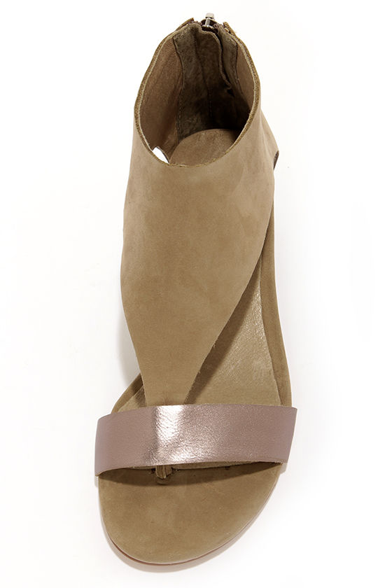 Matisse Reach Grey Suede Leather Ankle Cuff Wedges at Lulus.com!