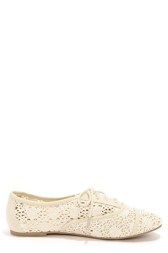 City Classified Joshua Beige Lace-Up Flats at Lulus.com!