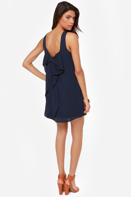 Under the Bow-dwalk Navy Blue Shift Dress at Lulus.com!