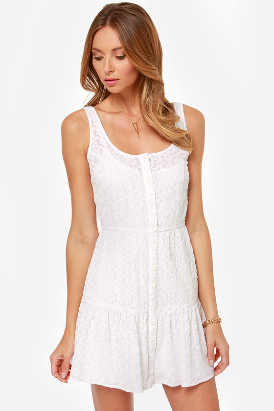 BB Dakota Leesha Embroidered White Dress at Lulus.com!