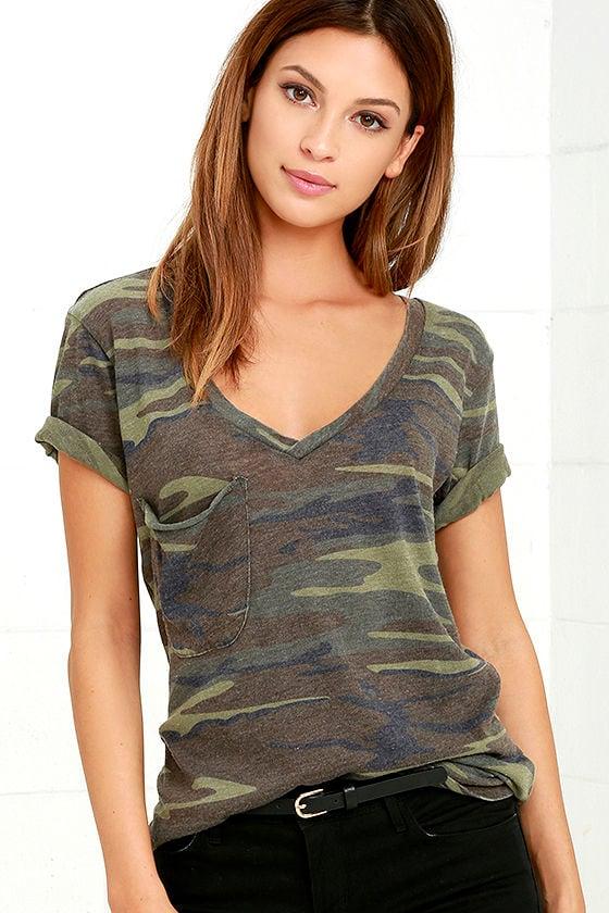 Cute green camo print top print tee v neck tee for Best v neck t shirts women s