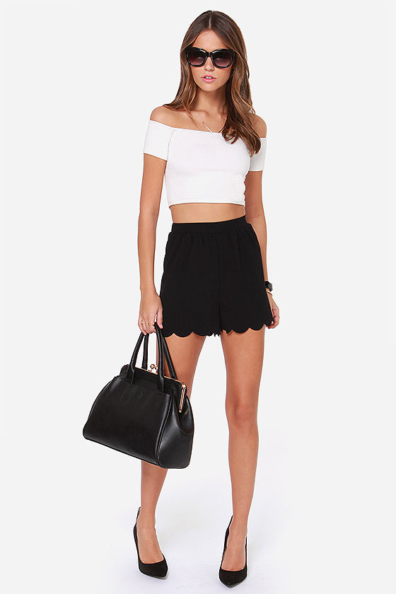 Scallop Town Girl Black Shorts at Lulus.com!