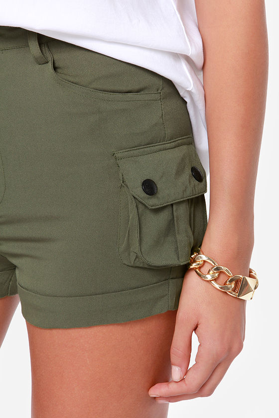 Close Ranks Army Green Shorts at Lulus.com!