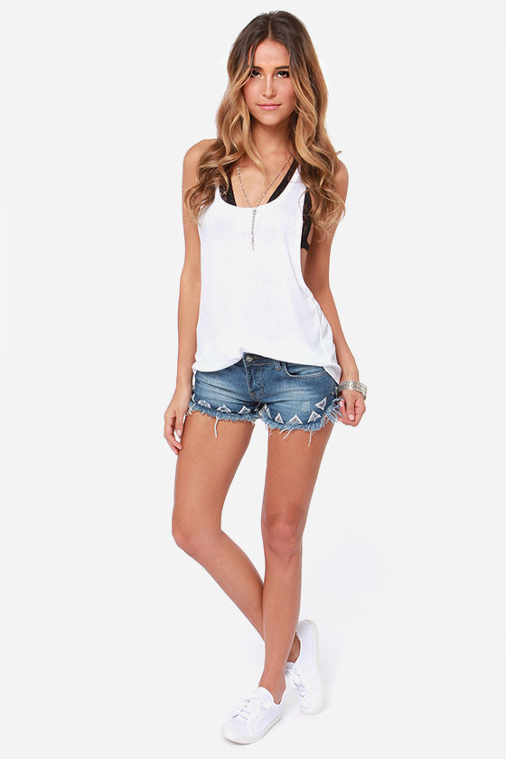 White Crow Ada Embroidered Jean Shorts at Lulus.com!