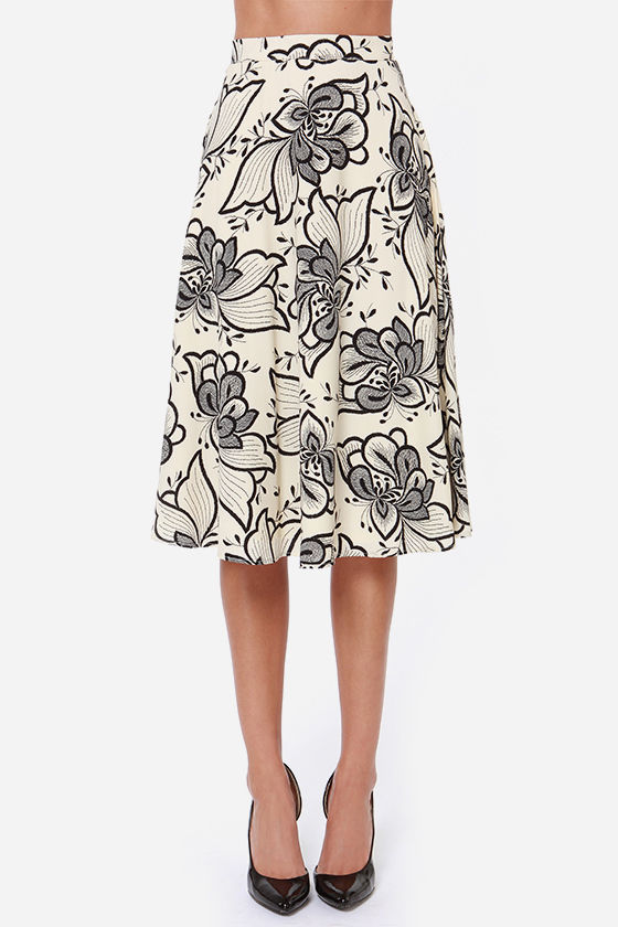 Garden Show Black and Cream Floral Print Midi Skirt at Lulus.com!