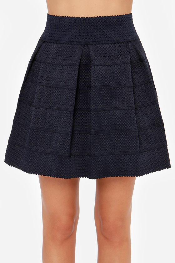 I'm with the Band-age Navy Blue Bandage Skirt at Lulus.com!