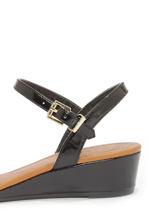 City Classified Pinkie Black Patent Wedge Sandals at Lulus.com!