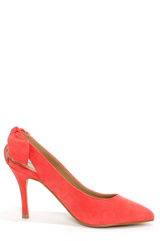 Kelly Coral Bow-Back Pointed Pumps at Lulus.com!