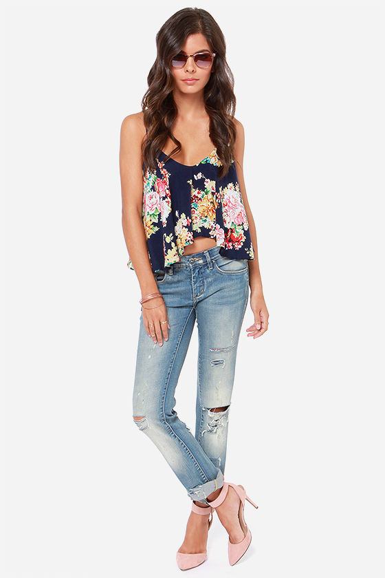 Fashion Flow-ard Navy Floral Print Tank Top at Lulus.com!
