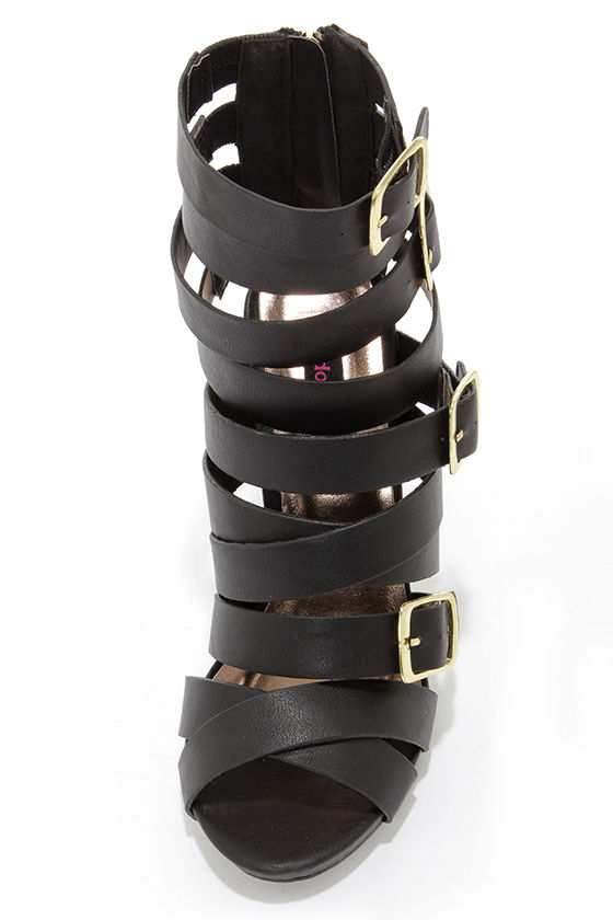Dollhouse Arena Black Buckled Caged Heels at Lulus.com!