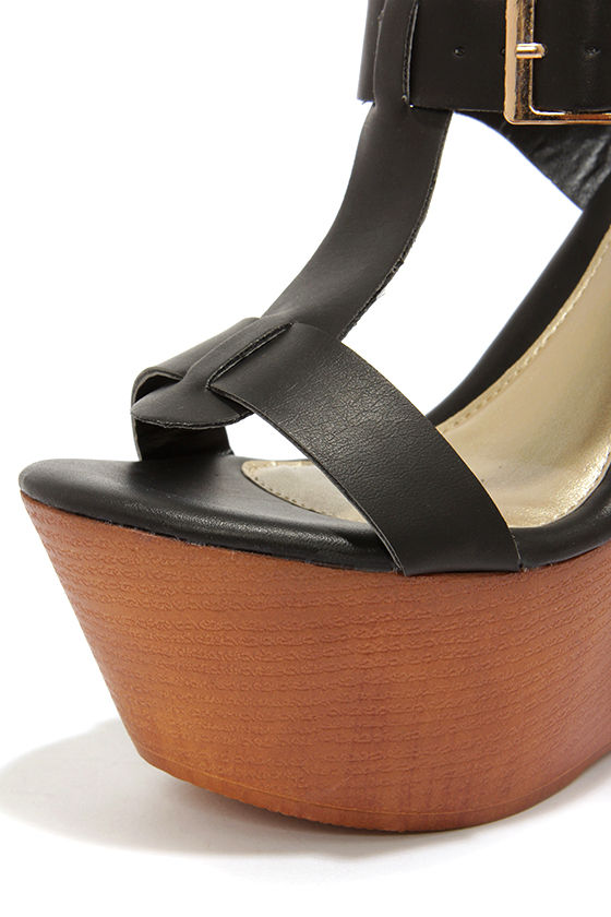 Yoki Wisdom 10 Black Buckled Wedge Sandals at Lulus.com!