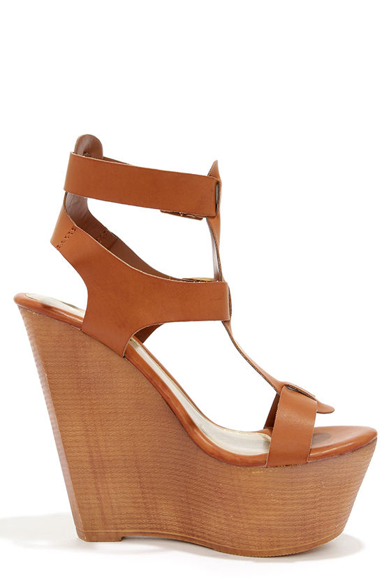 Yoki Wisdom 10 Rust Buckled Wedge Sandals at Lulus.com!