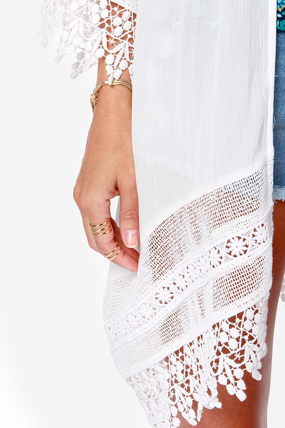 Unforgettable Gal Ivory Lace Kimono Top at Lulus.com!