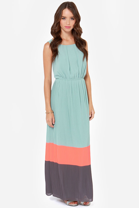Darling Justina Seafoam Color Block Maxi Dress at Lulus.com!