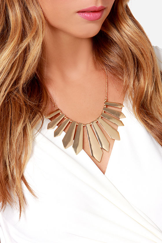 Fan the Fire Gold Necklace at Lulus.com!