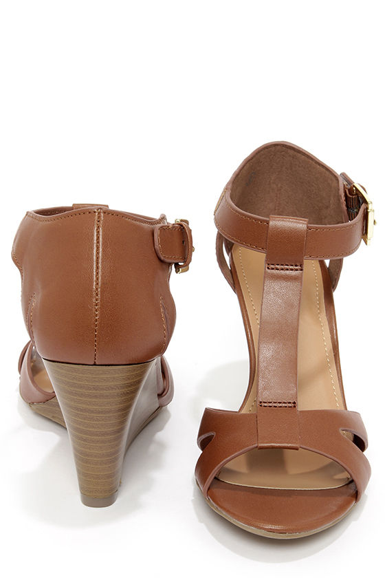 City Classified Luisa Dark Tan T Strap Wedge Sandals at Lulus.com!