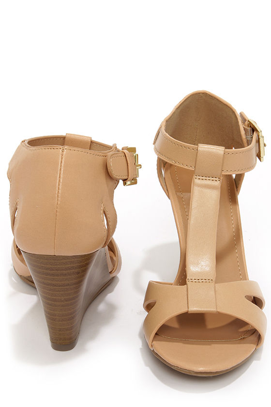 City Classified Luisa Natural T Strap Wedge Sandals at Lulus.com!