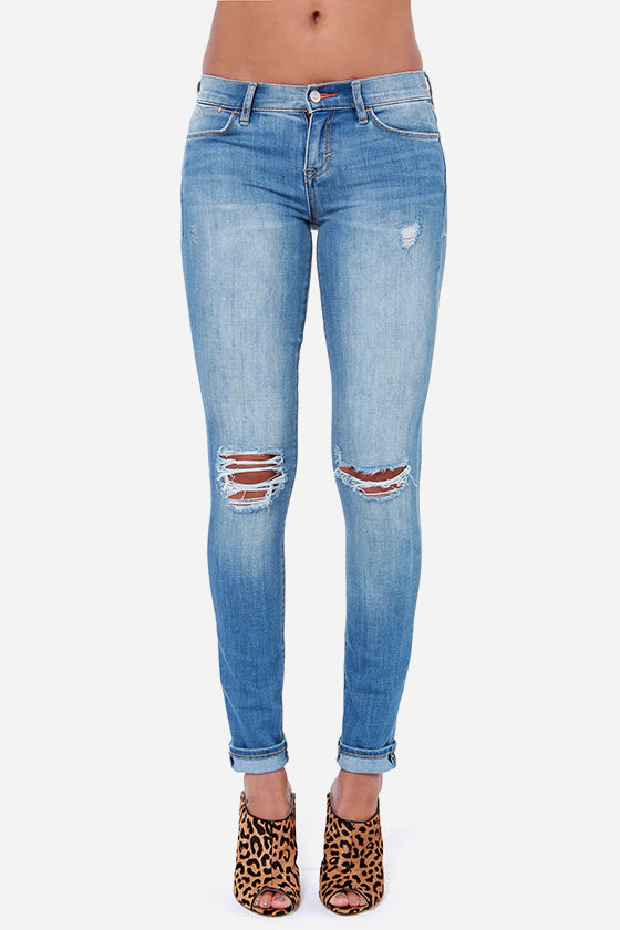 Dittos Selena Distressed Mid Rise Skinny Jeans at Lulus.com!
