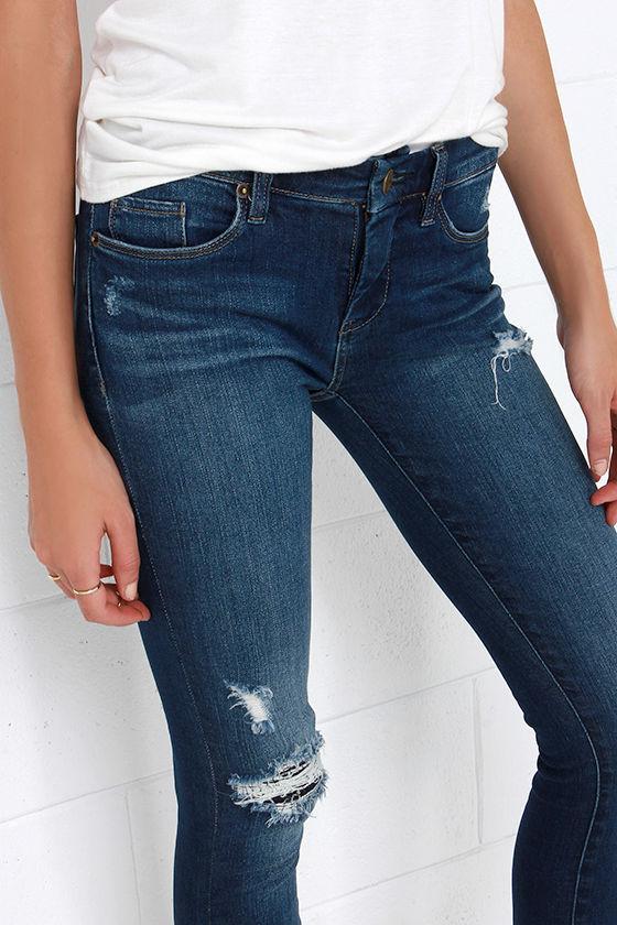 Blank NYC Skinny Classique Distressed Dark Blue Skinny Jeans 6