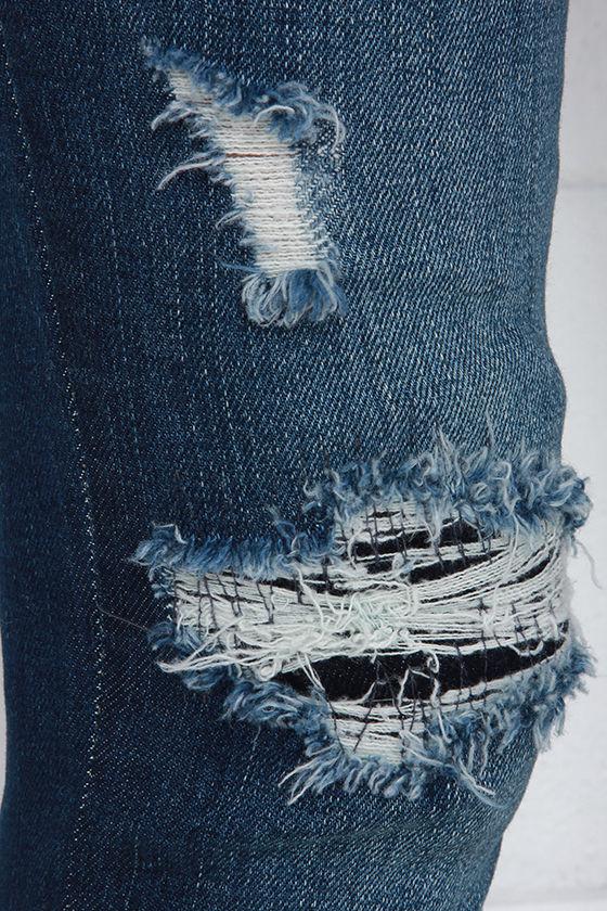 Blank NYC Skinny Classique Distressed Dark Blue Skinny Jeans 7