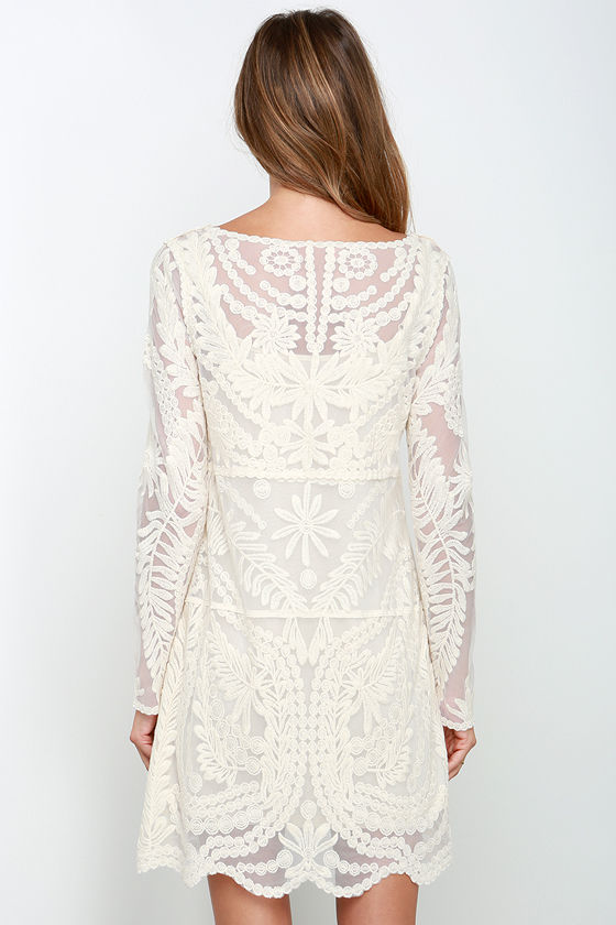 lace dresses for women Lace dresses for women are and ideal choice when it comes to a night out at a fabulous event or a family activity on a beautiful Sunday morning. Whether you prefer a long, flowing lace dress or a short sleeve cocktail dress, you can find something in our collection.
