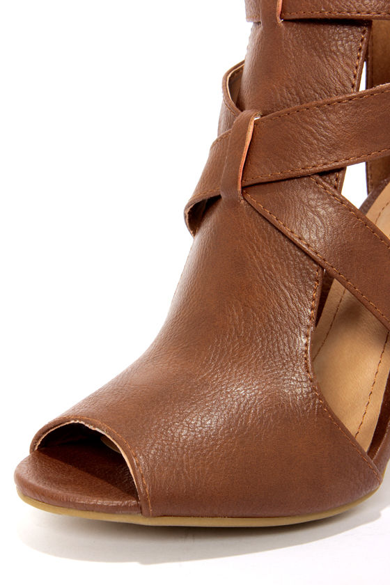 Bamboo Mash 01 Chestnut Cutout Booties at Lulus.com!