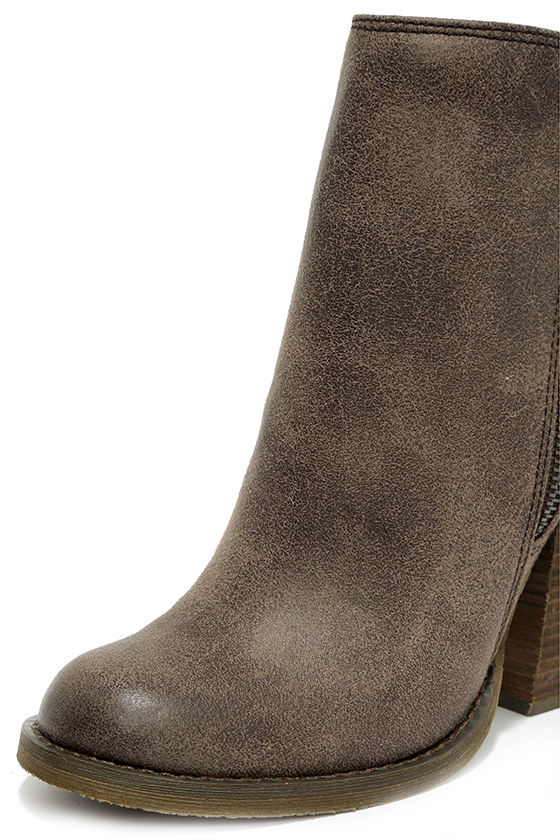 Sbicca Percussion Taupe High Heel Booties 6