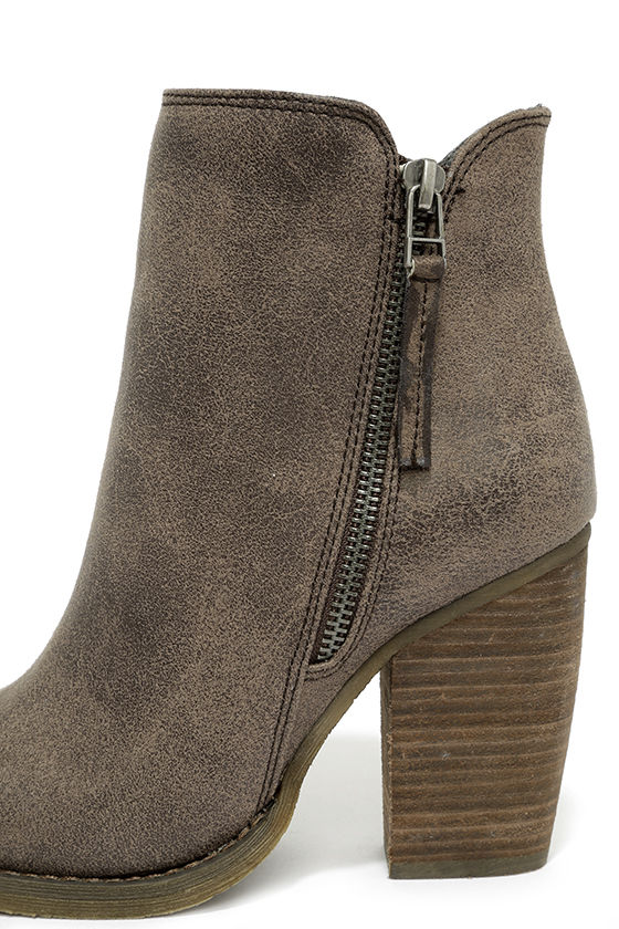 Sbicca Percussion Taupe High Heel Booties 7