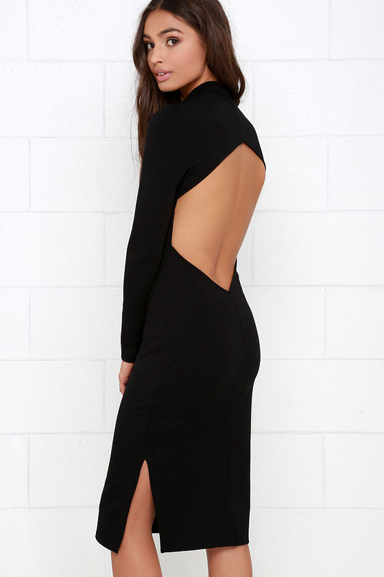Dress this up with heels for a sexy look. Or create a whole new one by pairing it with leggings underneath. However you wear it, you'll look stunning.
